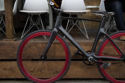 Умный велосипед, предупреждающий о приближении машин