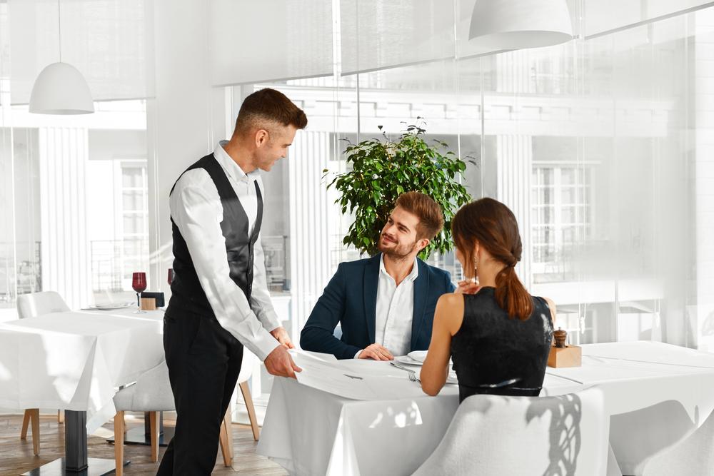Выбор сотрудников для открытия кафе здорового питания