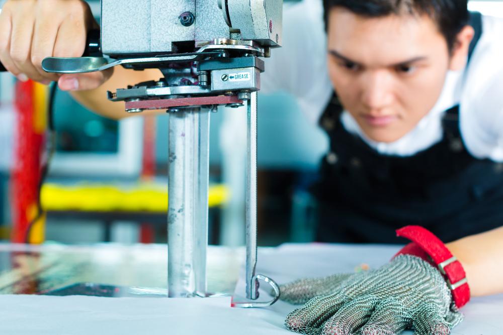 Для запуска производства рабочих перчаток по бизнес-плану важно корректно выбрать помещение для старта